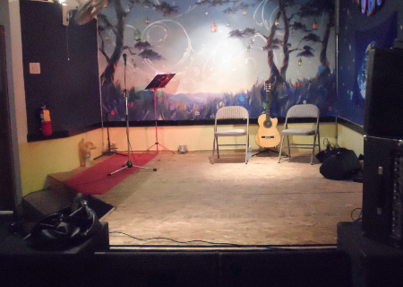 Stage at Electric Maid all set for Suenos de Flamenco