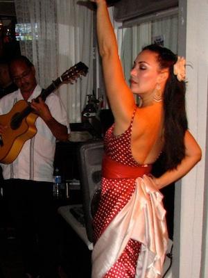 Sara dancing solea